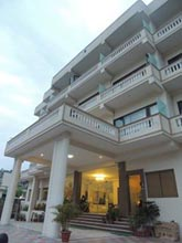 hotels in rishikesh, luxury hotels in rishikesh